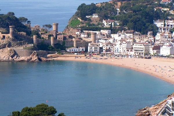 Sant Feliu Cheap holidays with PurpleTravel