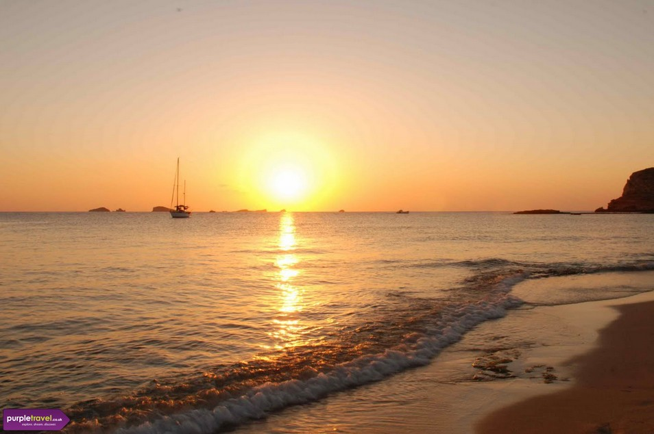 San Antonio Bay Ibiza Cheap holidays with PurpleTravel