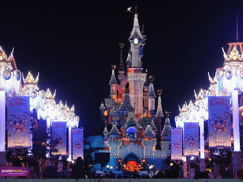 Disneyland Paris Holidays. We have teamed up with Eurostar to bring you these offers to Disneyland Paris. Travel from London on the Eurostar train service to Disneyland Paris and enjoy a magical holiday at Disneyland Paris.