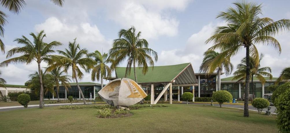 Hotel Entrance photo