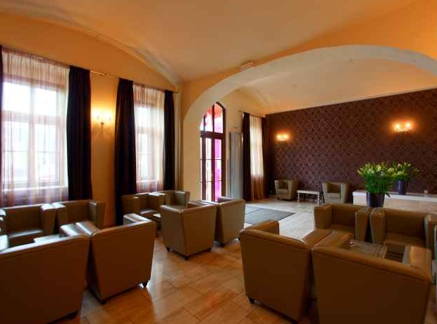 Designhotel elephant hotel prague purple travel for Hotel design elephant