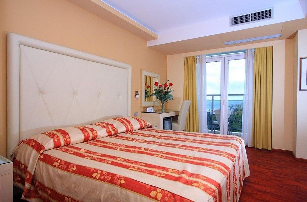 Grand hotel park dubrovnik dubrovnik purple travel for Design hotel dubrovnik