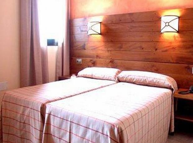Comfortable room photo