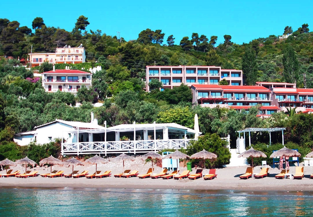 Vassilias beach skiathos purple travel for Skiathos hotels