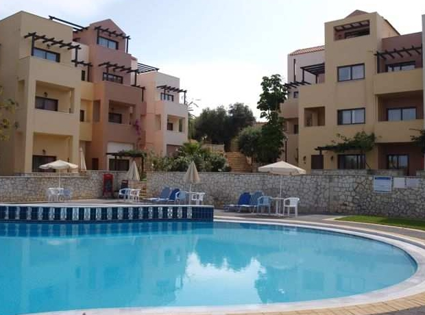 Rooms with pool view photo