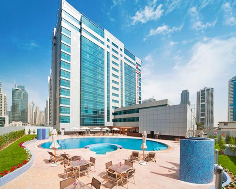 Marina view hotel jumeirah beach purple travel for Luxury holidays in dubai