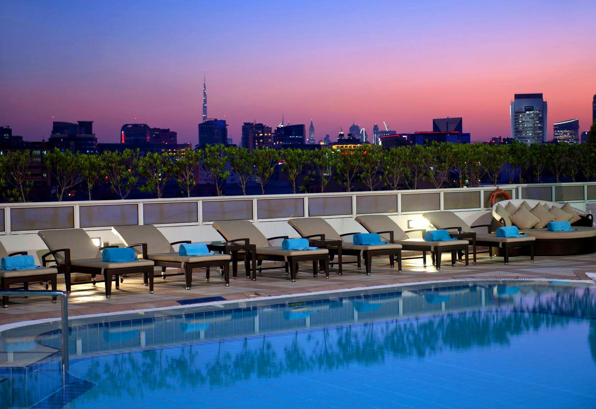 Crowne plaza deira dubai purple travel for Beat hotel in dubai
