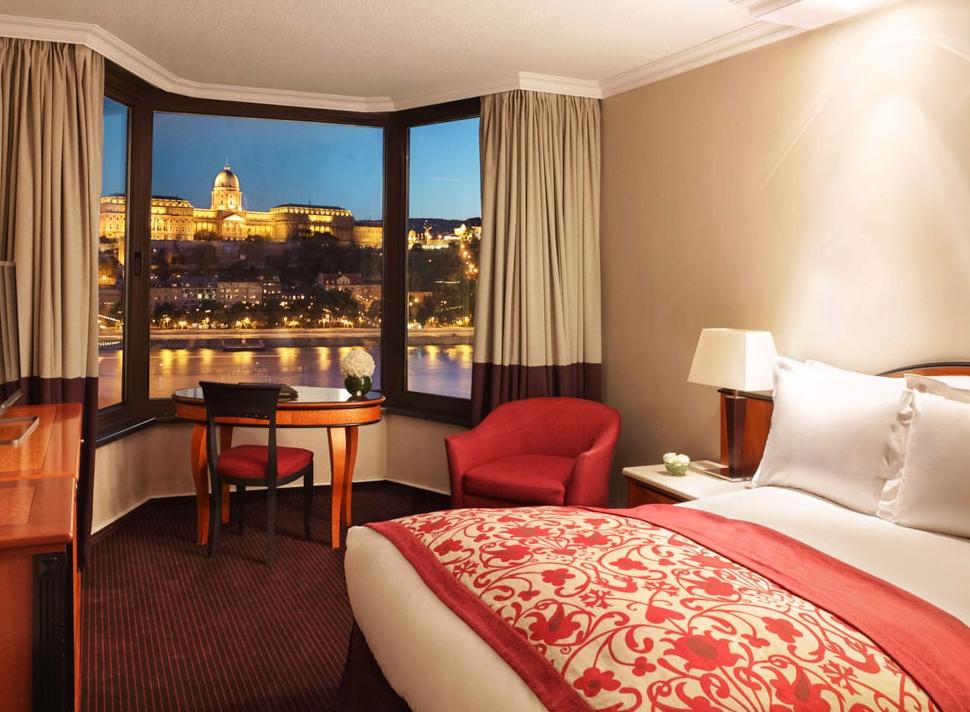 Sofitel budapest chain bridge budapest purple travel for Small luxury hotel chains