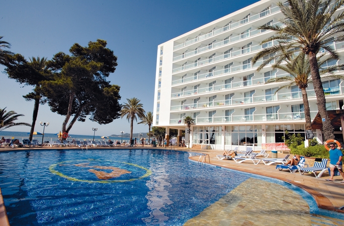 Sirenis Hotel Tres Carabelas And Spa