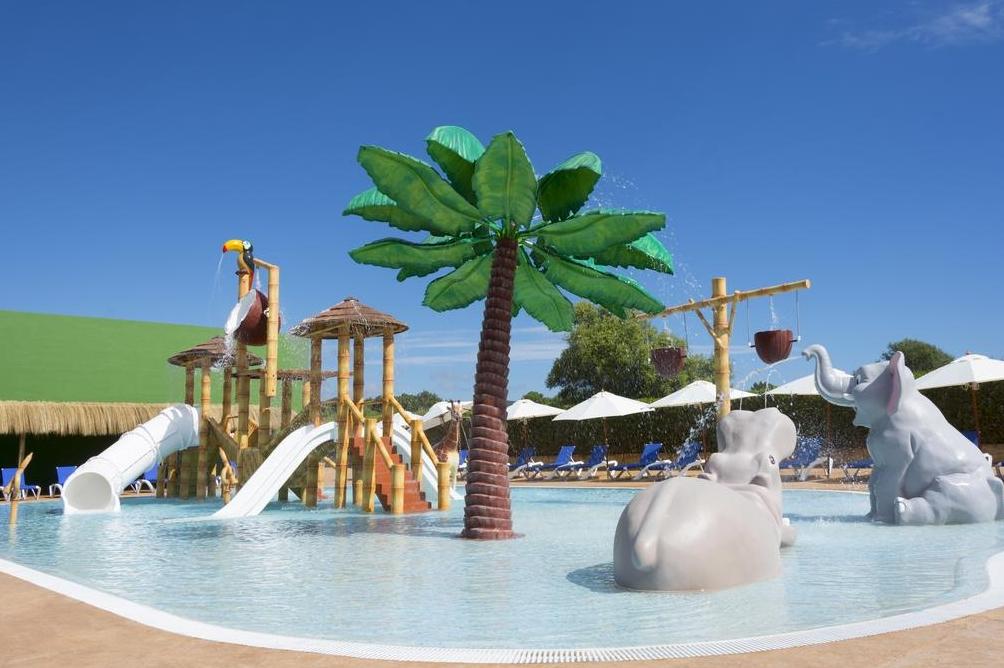 Jungle splash pool photo