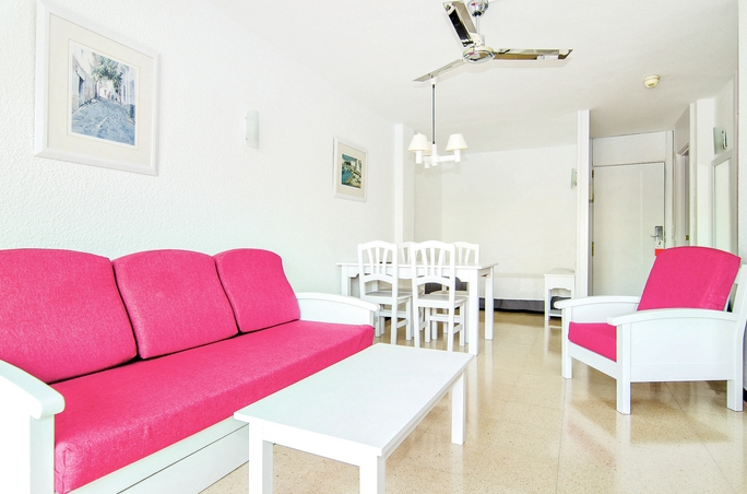 Club Bellevue Apartments Alcudia Beach Purple Travel