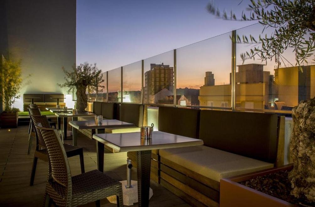 Lounge Bar photo
