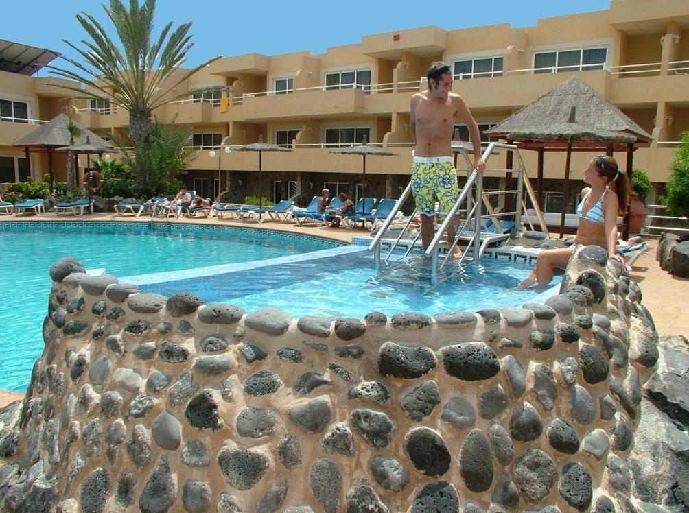 Hot Tub Jacuzzi photo