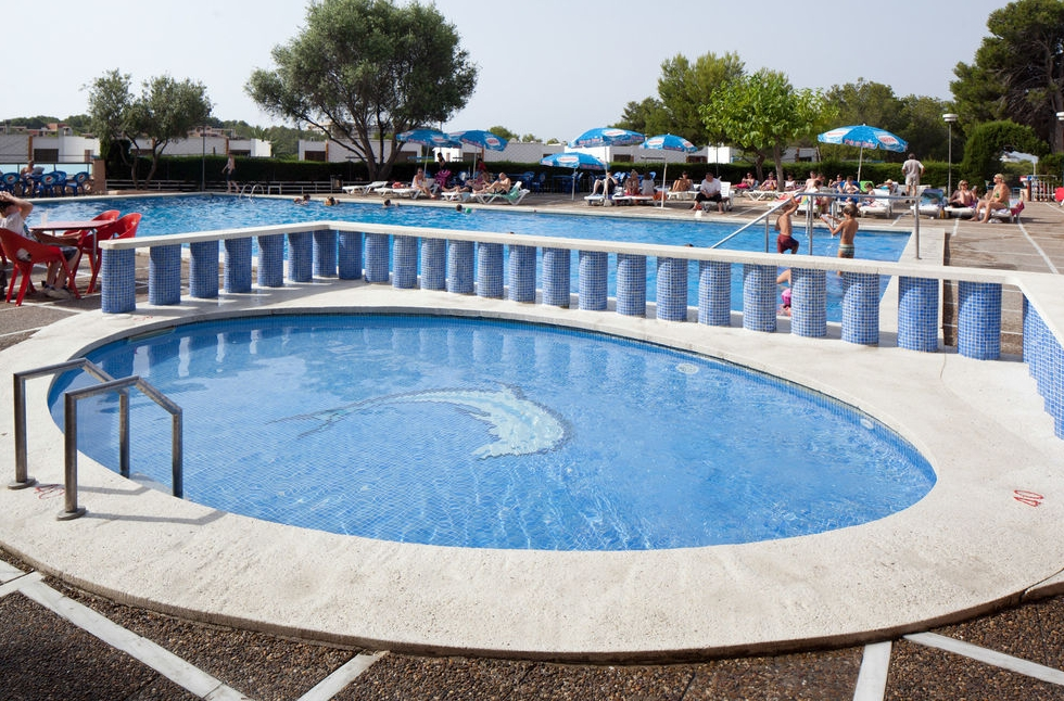 H top molinos park salou purple travel for Best hotel swimming pools for kids